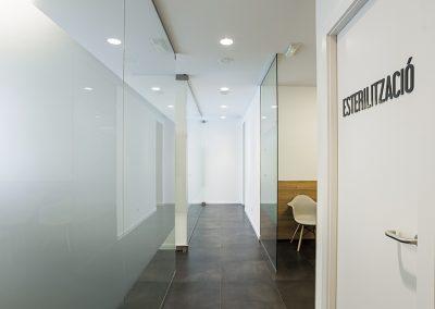 Disseny interior clinica - passadís sala