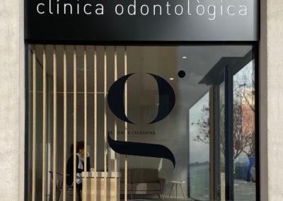 Interiorisme Clínica Dental Gemma Casasayas detalle fachada